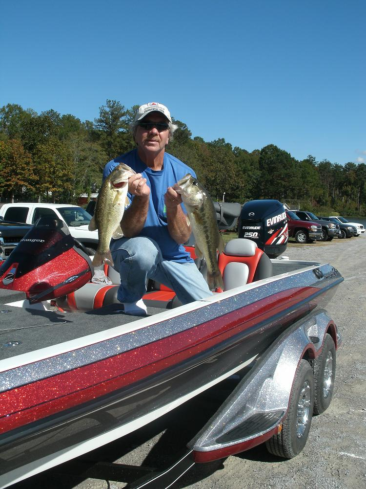 Spookin up bass on halloween fishing alabama reed 39 s for Lay lake fishing report