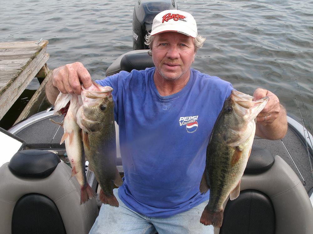 Alabama s logan martin lake for big bass this fall season for Logan martin lake fishing report