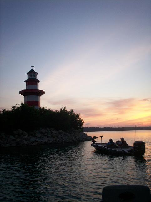 Summertime day and night bass fishing tips and articles for Lay lake fishing report