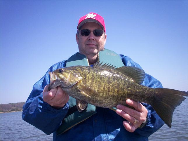 Hot summertime bass fishing alabama s lakes for for Fishing in alabama