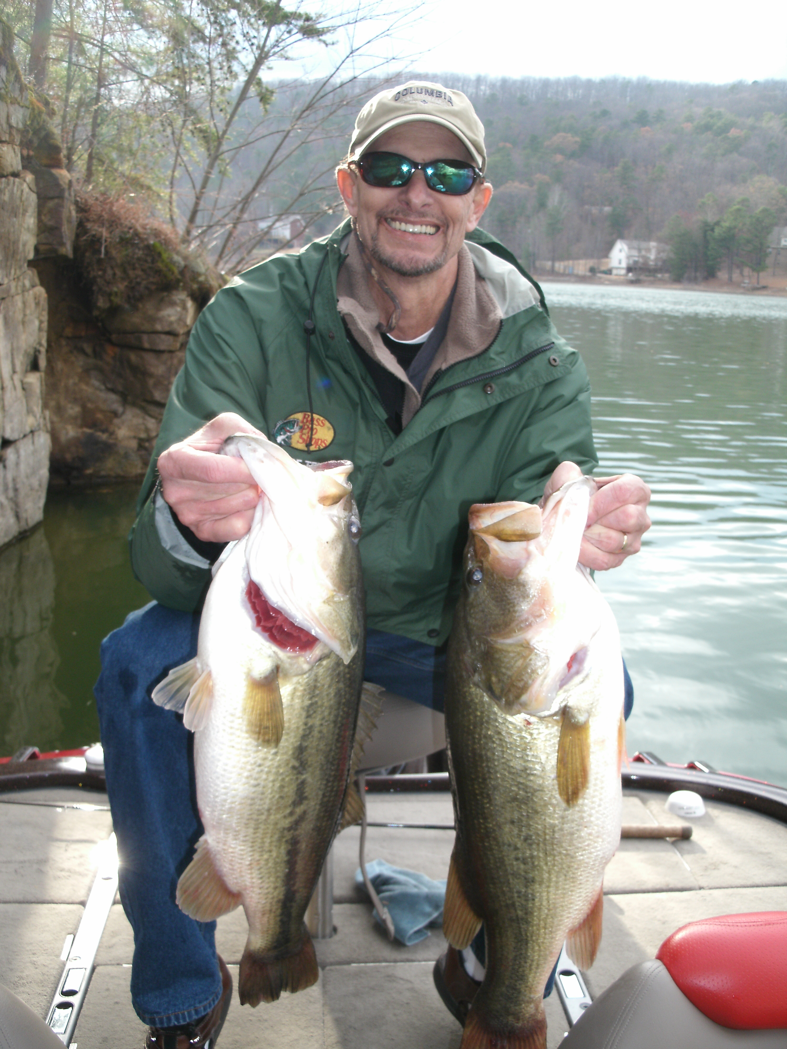 Fishing for trophy largemouth bass on alabama s for Fish in alabama