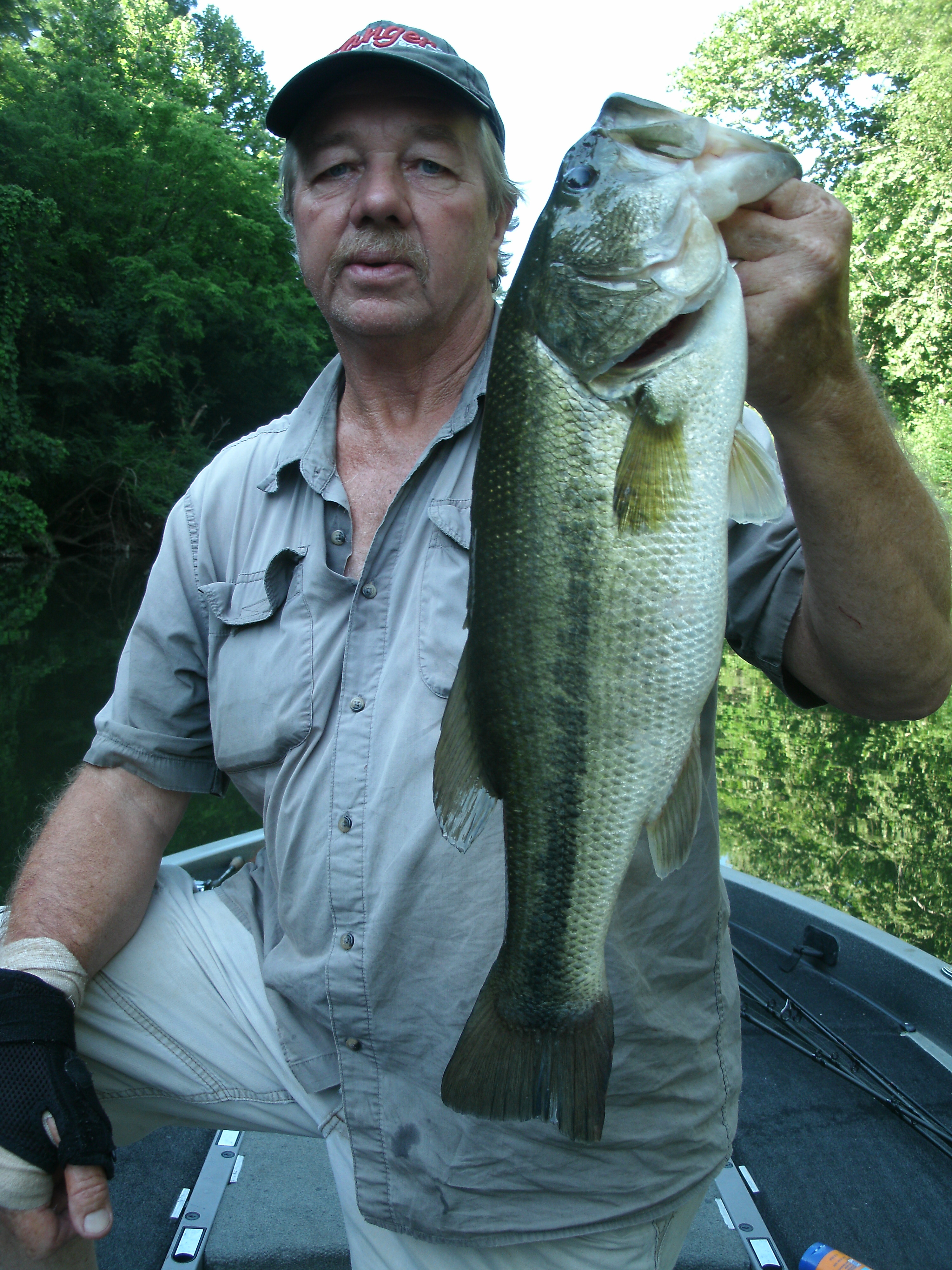 A Guided Bass Fishing Trip With Reeds Guide Service Www